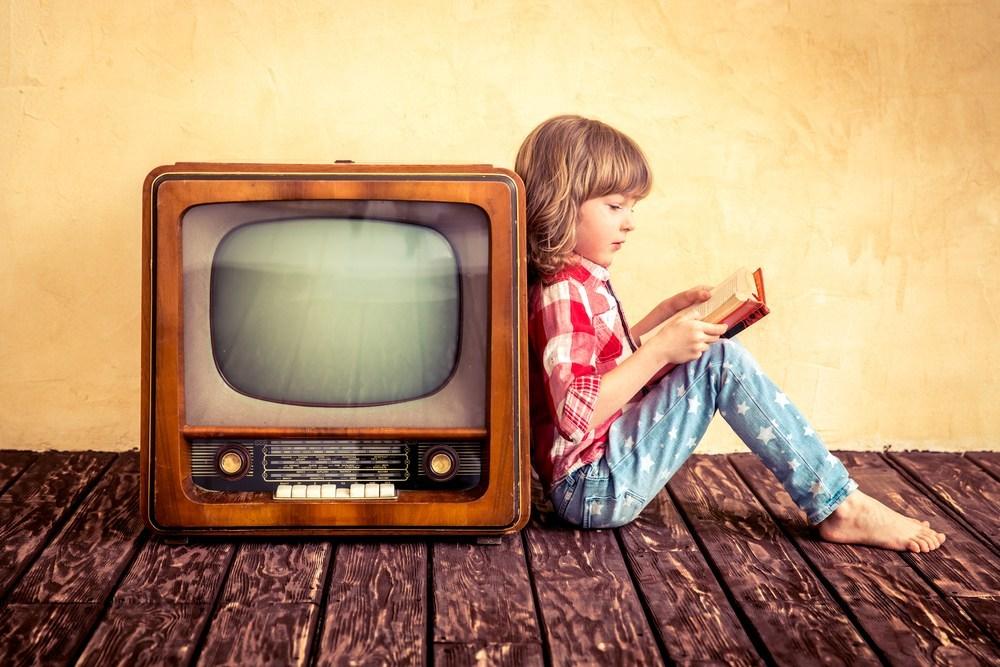 Вред телевизора для здоровья: влияние на человека
